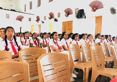 School-Reach-Workshop-at-Southlands-College-Galle