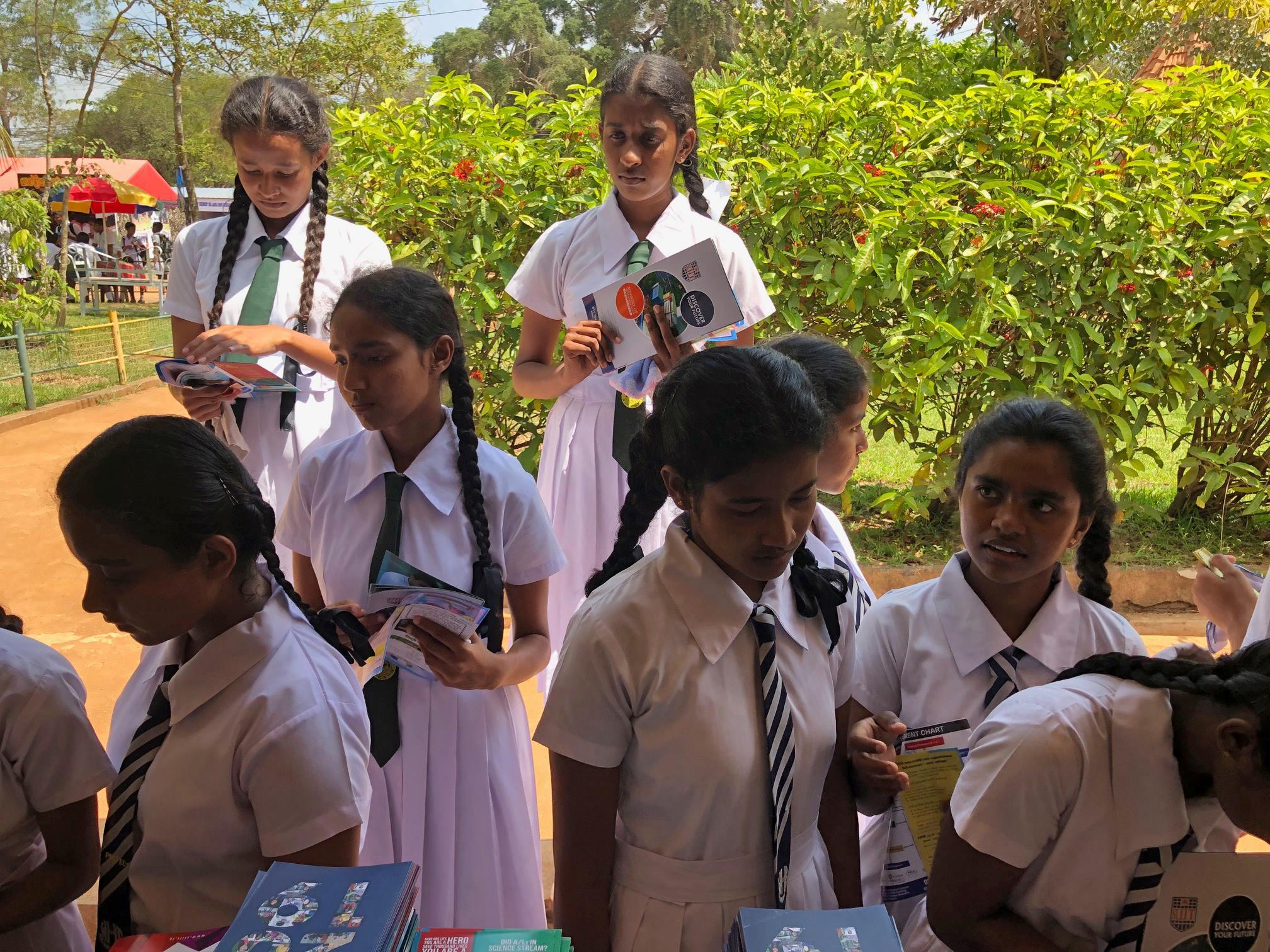 Anal Girl in Anuradhapura