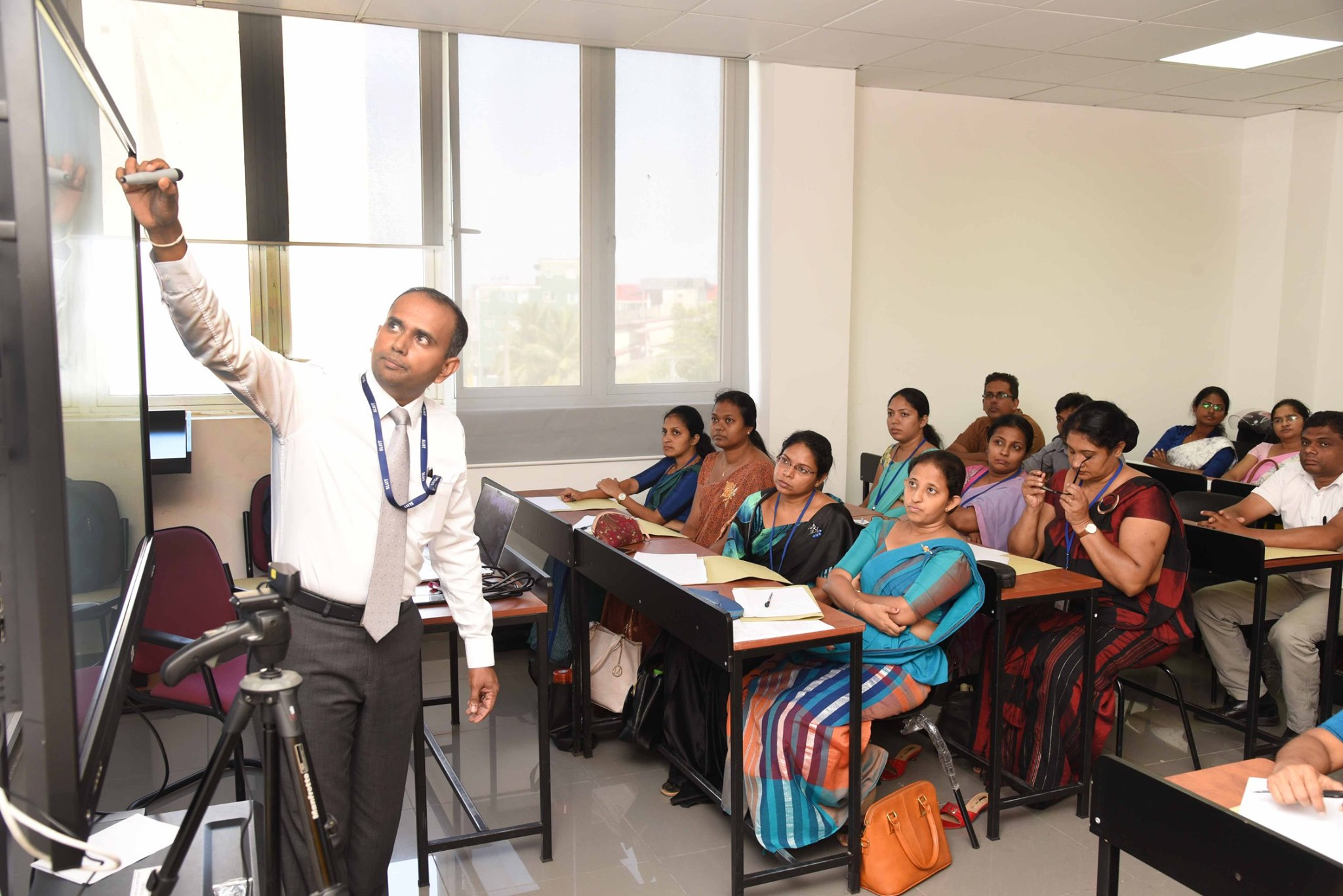 A-workshop-on-Effective-use-of-Interactive-Touch-Screens-for-Teaching-and-Learning